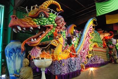 Building A Mardi Gras Parade Float Stories To Read Hellokidscom