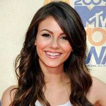 VICTORIA JUSTICE puzzle - Free Kids Games - KIDS PUZZLES games - FAMOUS PEOPLE puzzle games