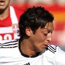 Mesut Özil puzzle